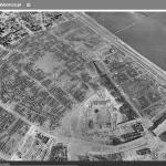 Verwoest Warschau (klik op de foto en vergelijk met de stad nu)