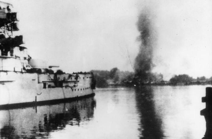 Beschieting Westerplatte door Schleswig-Holstein