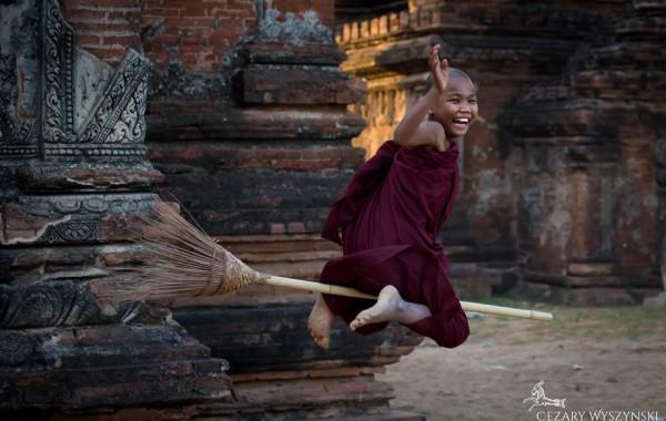 Jonge monniken in Myanmar