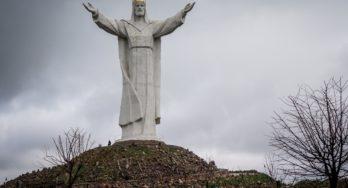 4G-verbinding met Christus: gigantisch Jezusbeeld in Polen blijkt uitgerust met zendmasten