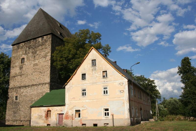 https://commons.wikimedia.org/wiki/File:Siedlecin_Tower_01.jpg#/media/File:Siedlecin_Tower_01.jpg