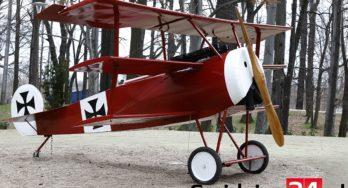 Rode Fokker driedekker van Manfred von Richthofen in Świdnica